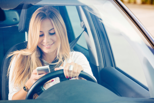 Texting While Driving >> Use Cell Phones Safely And Avoid Texting While Driving